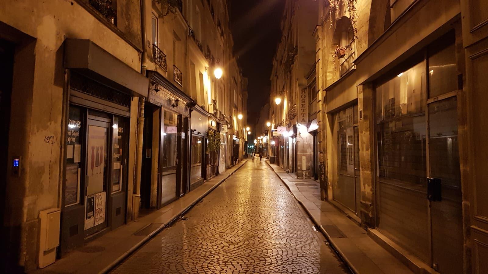 Paris, Rue Saint-Sauveur.