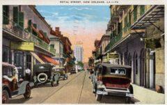 Die Royal Street in New Orleans mit dem Hotel Monteleone im Hintergrund, um 1930.